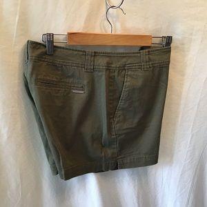 NY&CO olive green shorts, EUC, size 10
